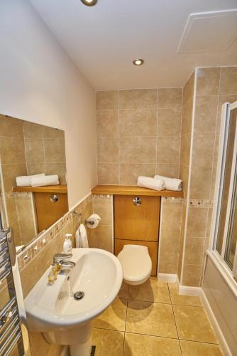 Edinburgh Pearl Apartments - Lochrin Place photo 18