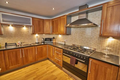 Edinburgh Pearl Apartments - Lochrin Place photo 24
