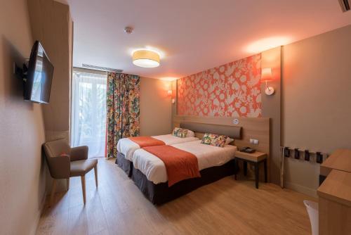 . Logis Grand Hôtel Des Bains
