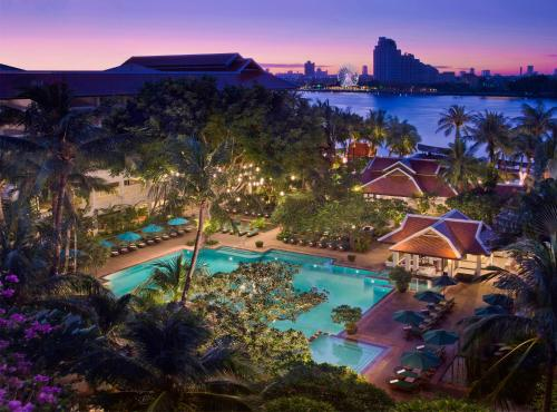 Anantara Riverside Bangkok Resort impression