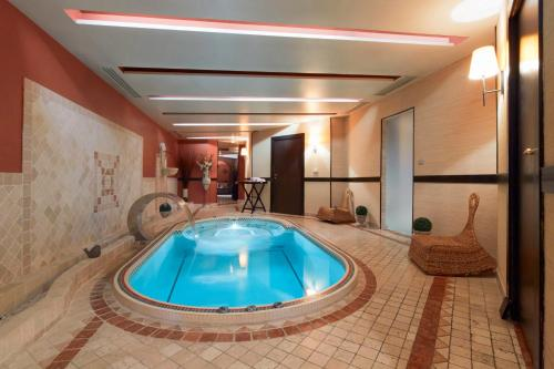 Hotel Kyriad And Spa Reims Centre Reims Prices Photos And Reviews