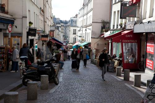 Oops! Latin quarter by Hiphophostels photo 19