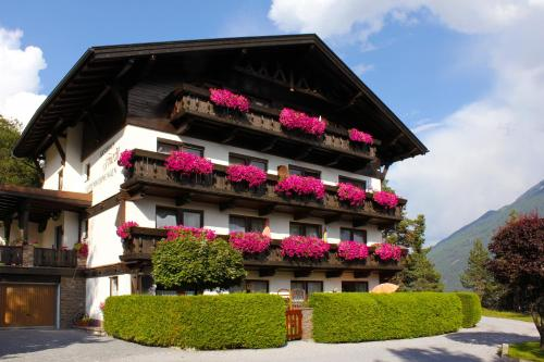 Gästehaus Friedl - Apartment - Imst-Gurgltal
