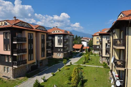 . Hotel Bojur & Bojurland Apartment Complex