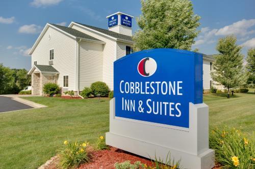 Cobblestone Inn and Suites - Clintonville - Hotel