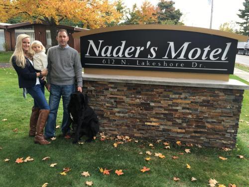. Nader's Motel & Suites