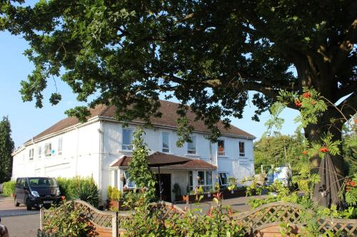 The Gatwick White House Hotel