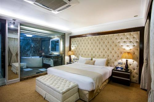 . Hotel Agrabad
