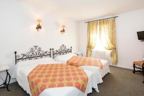 Accommodation in Revel