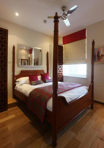 Deluxe Double Room with Four-Poster Bed