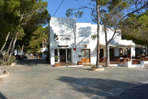. Bungalows Es Pins - Formentera Vacaciones