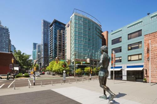 Hampton Inn & Suites, by Hilton - Vancouver Downtown in Vancouver