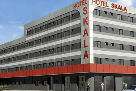 . Skala Traveling Hotel