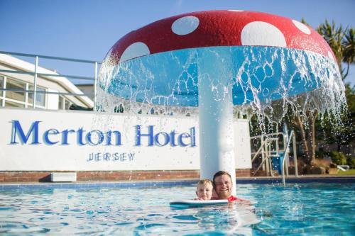 Merton Hotel picture 1 of 50