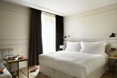 Deluxe Double Room TÓTEM Madrid, a Small Luxury Hotel of the World 23