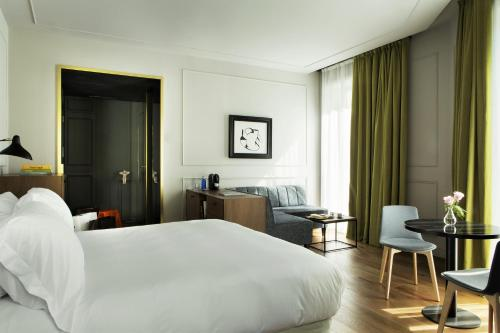 Junior Suite TÓTEM Madrid, a Small Luxury Hotel of the World 21