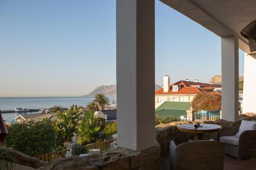 30 Gatesville Road, Kalk Bay, Cape Town, 7975, South Africa.