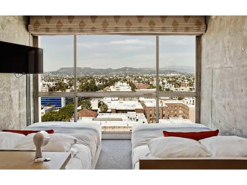 3515 Wilshire Boulevard, Los Angeles, 90010, United States.