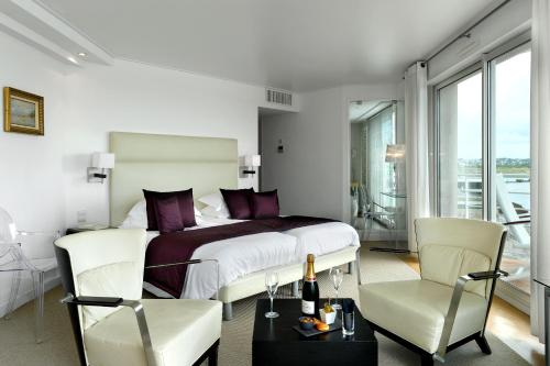 Superior Double Room with two balconies and Sea View