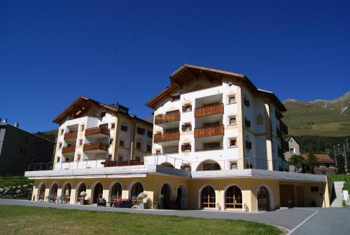 Hotel Allegra - Chalet - Zuoz