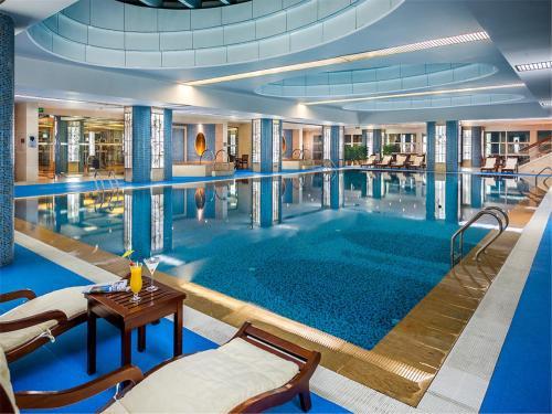 Beijing Kuntai Royal Hotel photo 24