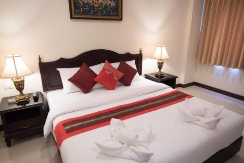 True Siam Rangnam Hotel photo 46