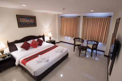 True Siam Rangnam Hotel photo 49