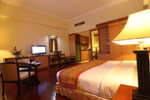 Golden View Hotel photo 31
