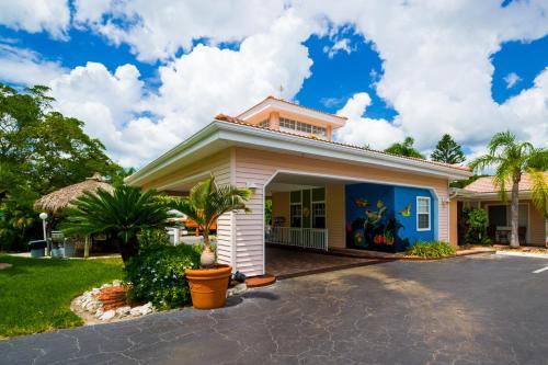 Tropical Beach Resorts Sarasota In Fl