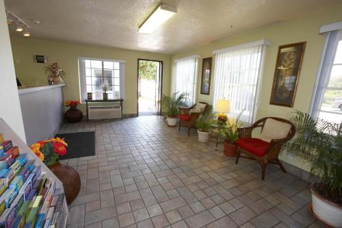 Ez 8 Motel Old Town - San Diego, CA 92110