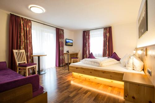 Alpenresidenz Ballunspitze Wellness- & Kinderhotel - Hotel - Galtür