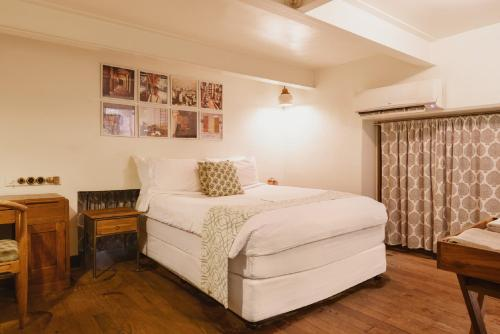 18, Lansdowne house, M.B. Marg, Apollo Bunder, Colaba, Mumbai, 400001, India.