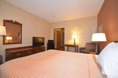 Best Western Chelsea Inn & Suites - Monticello, MN 55362
