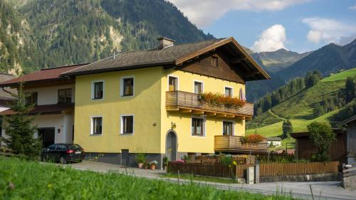 Haus Elisabeth - Apartment - Hüttschlag