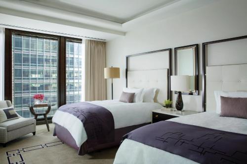 The Langham Chicago Двухместный номер Делюкс «Премьер» с 2 двуспальными кроватями