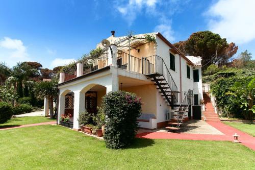 . Villa Eleanto