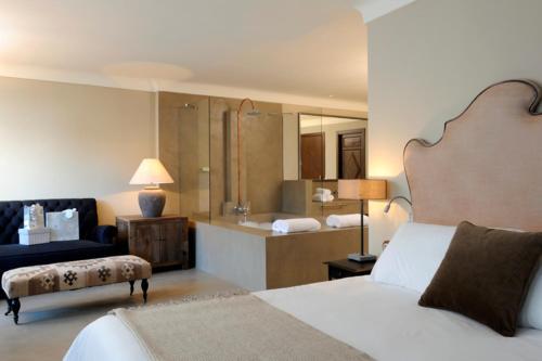 Suite Palacio Carvajal Girón 19