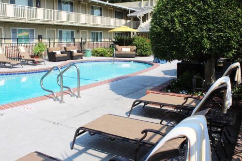HotelCountry Inn Motel