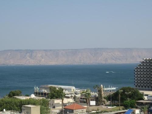 Agas Holiday Apartments Tiberias Hotel