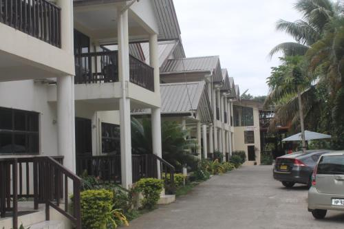 Shalini Garden Hotel And Apartments