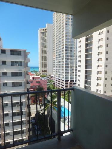 Waikiki Park Heights - Honolulu, HI 96815