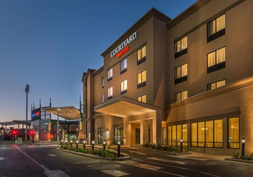 Hotel Courtyard By Marriott Reno Downtown/riverfront thumb-3