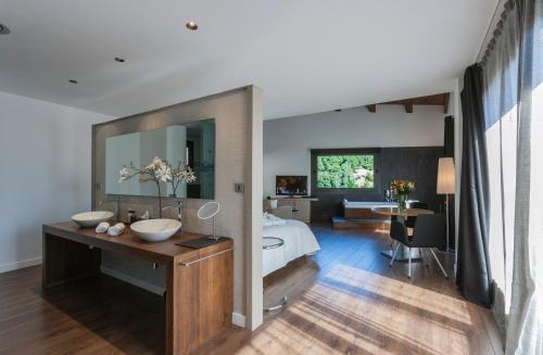Luxury Suite with Spa Bath Bonansa Country Hotel 9