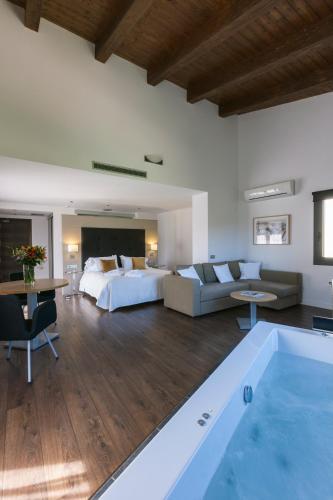 Luxury Suite with Spa Bath Bonansa Country Hotel 15