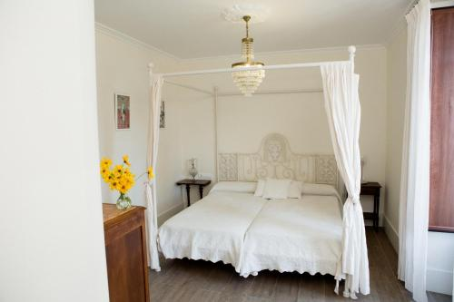 Superior Double or Twin Room Complejo Turístico Rural A TORRE DE LAXE 8