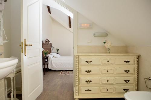 Standard Double or Twin Room Complejo Turístico Rural A TORRE DE LAXE 13