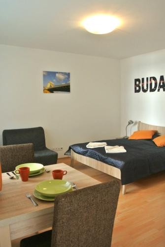 Dancing in the Moonlight, Pension in Budapest