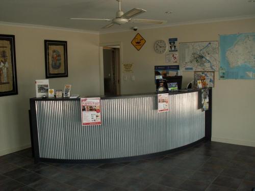 Oval Motel   Murray Bridge
