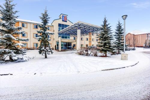 Motel 6-Red Deer AB