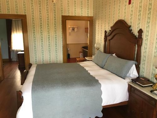 Cosmopolitan Hotel - San Diego, CA 92110